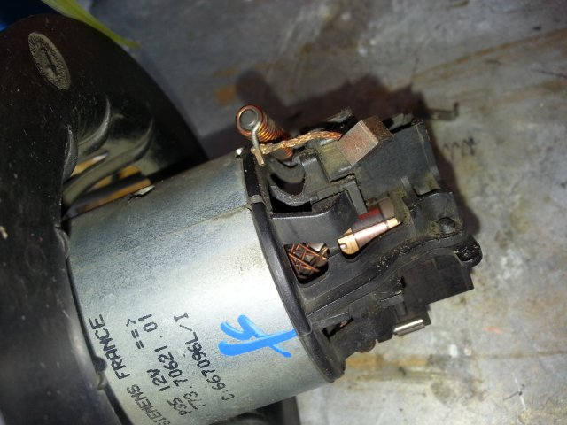Ремонт моторчика печки nissan note Диагностика двигателя киа рио 2012