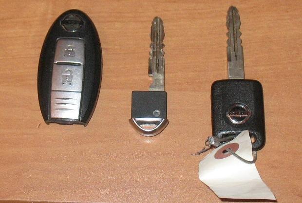 nissan note не поворачивается ключ